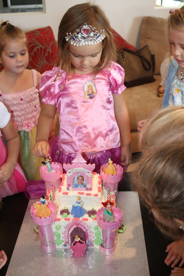 A princess cake for my daughter's 4th birthday!